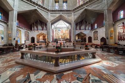 Nazareth_annunciation_inside